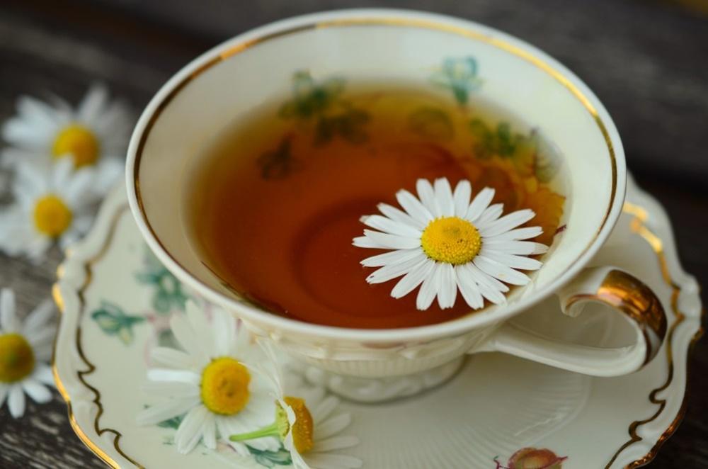8 razones para decirle sí a una taza de manzanilla al día